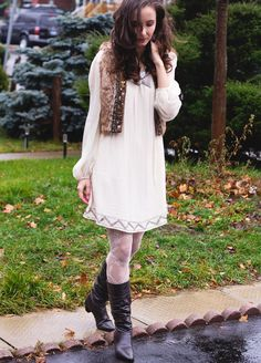 ModaMama: Moments We Love.  A great dress with a faux fur vest is so comfy!