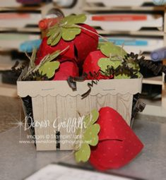 2015 Berry Basket video and Paper Strawberries video Handmade Headbands, Handmade Crafts, Handmade Rugs, 3d Paper Crafts, Paper Crafting, Basket Crafts, Berry Baskets, Paper Basket, Craft Bags