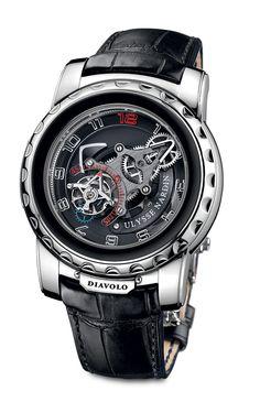 O Ulysse Nardin Freak Diavolo mostra o tempo com ponteiros que, definitivamente, fazem parte do mecanismo do relógio. Um turbilhão voador apresenta os segundos e o ajuste da hora não é feito pela coroa, mas sim pelo bisel.