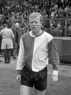 Piet Romeijn is a Dutch defender and former player of Feyenoord. He was part of their European Cup victory in He earned 4 caps for the Netherlands national football team. Football Icon, World Football, Rotterdam, European Cup, National Football Teams, Victorious, Netherlands, Dutch, The Past