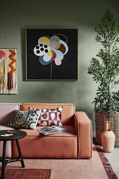 australian interior design trends 2018 living room with green wall and terracotta sofa Oranges Sofa, Sage Green Walls, Dulux Green, Orange Walls, Color Trends 2018, Living Room Orange, Australian Interior Design, Living Room Paint, Living Rooms