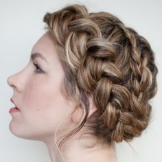 DIY braided hairstyle tutorial and other lovely things to welcome Fall. Image and tutorial by Hair Romance.