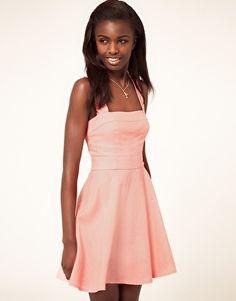 Oh, love this #linen #sundress . Suspect given the early tan I got from my California trip in May, the peachy pink color will look good on me.