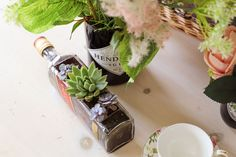 This week I am sharing how to cut glass bottles. I have two metods in this weeks post, I am using a bottle cutter and also the ryobi rotary cutter. Cutting Glass Bottles, Small Glass Bottles, Cut Glass Vase, Bottles And Jars, Whiskey Bottle Crafts, Glass Bottle Crafts, Diy Bottle, Bottle Art, Chicken Wire Crafts