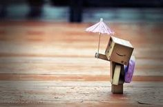 Danbo w/ umbrella Robot Cute, Box Robot, Under My Umbrella, Danbo, Clowns, Amazon Box, Cute Box, Learn To Dance, Artists