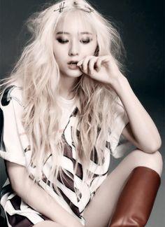 f(x) Krystal Jung Jessica & Krystal, Krystal Jung, Jessica Jung, South Korean Girls, Korean Girl Groups, Stupid Girl, Kang Min Hyuk, Fashion Idol, Sulli