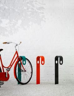 Would sure love to see these #bikestands in #Copenhagen! Range vélo HOOK par Note Design - Blog Deco Design