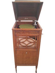 Thomas Edison Diamond Disc Phonograph