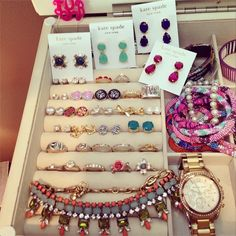 switch up ur jewelry 2 look rich ,cute jewelry collection!!!<3<3<3 ring brac watch neckl earing ect..
