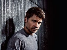 http://www.menshealth.co.uk/building-muscle/how-jaime-lannister-got-his-body-battle-ready-for-game-of-thrones