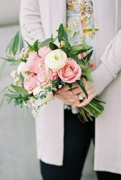 pink and cream bridal bouquet, engagement session bridal bouquet   union station, light and arrow photography
