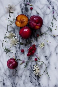 Plums Food Art, Plum, Food Photography, Fruit, Elegant, Simple, Nature, Kitchen, Gifts
