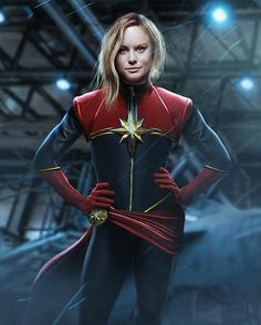 With Brie Larson in talks with Marvel Studios to play Carol Danvers we take a look at what she' could look like in the Captain Marvel costume. Marvel Comics, Films Marvel, Marvel Avengers, Marvel Hela, Avengers Women, Comic Superheroes, Hulk Comic, Disney Pixar, Film Streaming Vf