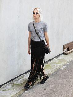 Fringe, Skirt, Fransen, Dockville, Fesival Look, Style, Iris & Ink, Rika, London Retro, Superga, minimal, Outfit, Fashion, Blog, stryleTZ