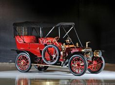 1906 American Roi De Belges Touring w/ a 336 ci 4 cylinder engine by Harry Stutz. The American Motor Car Co was in business from 1905-1915 in Indianapolis.