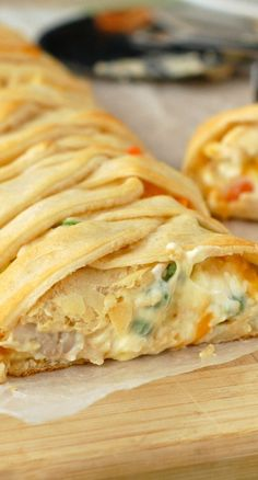 Chicken Pot Pie Crescent Braid~ A super easy and delicious dinner all wrapped up in a gorgeous crescent braid!