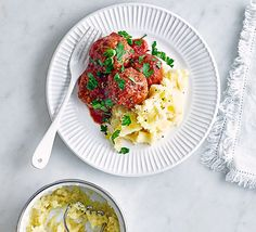 The ultimate comfort food: sweet red pepper mixed into these meatballs add depth of flavour and parsnip mash is a great twist on your usual spuds Low Calorie Recipes, Healthy Recipes, Frugal Recipes, Freezer Recipes, Bbc Good Food Recipes, Cooking Recipes, What's Cooking, Mashed Parsnips, Pork Meatballs