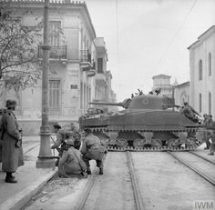 Sherman tanks and troops from the (Scottish) Parachute Battalion, British Parachute Brigade together with their Greek allies, fighting against members of ELAS (Greek People's Liberation Army) i Athens, Greece, on December Battle Of Athens, Greek Soldier, Ww2 Photos, Ww2 Pictures, Photographs, Sherman Tank, Man Of War, Greek History, War Photography