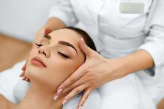 Masaje facial contra las arrugas