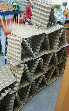 Bouwen met eierdozen. Kids vinden het geweldig