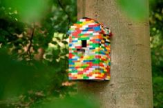 Ten Amazing Bird Houses All Made From Upcycling and Recycling Garden Projects, Projects To Try, Garden Ideas, Geek Chic, Van Lego, Rustic Outdoor Decor, Birdhouse Designs, Lego Craft, Bird House Kits