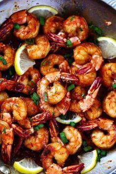 Sticky Honey Garlic Shrimp from The Recipe Critic are coated in the most amazing stick honey garlic butter soy sauce. This is a quick 20 minute meal. Fish Recipes, Seafood Recipes, Dinner Recipes, Cooking Recipes, Healthy Recipes, Chinese Shrimp Recipes, Seafood Meals, Honey Recipes, Quick Shrimp Recipes