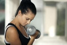 そんなに鍛えてどうするの 女性で、筋肉トレーニングする人いますね  力瘤ができたら嬉しいのかな
