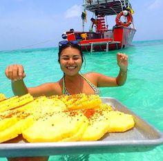 : @yukapuca #Cozumel #QuintanaRoo #México  #Paraíso #IslaCozumel #Mexicolors #Elcielo #Blue #pinapple #Isla #paradise #caribbean #caribemexicano #caribbeansea #tour #boat #enjoyinglife #enjoy #love #beutifulmoments #visiting #welcome #islandgirl