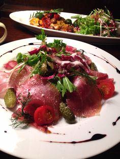 Bistro cosicosi❤︎ Today's Dinner❤︎ date❤︎2015.2  ⋈前菜(TAPAS)➕サラダ添え ⋈密かに人気のカツレツの端っこ❤︎  #ビストロコジコジ