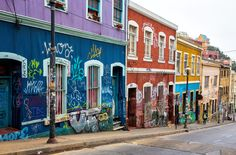 Photographing Valparaiso, Chile - Earth Trekkers