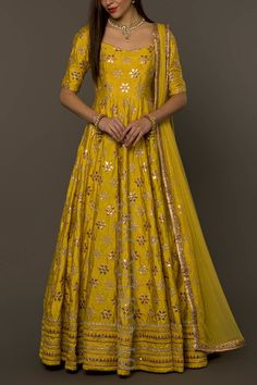 Gottapatti work and yellow beautiful Party Wear Indian Dresses, Designer Party Wear Dresses, Indian Fashion Dresses, Indian Bridal Outfits, Indian Gowns Dresses, Dress Indian Style, Indian Designer Outfits, Pakistani Dresses, Indian Inspired Fashion