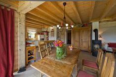 ländliches und klassisches Holzhaus am Schlossberg