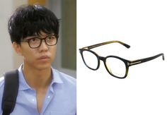 "Lee Seung Gi in ""You're All Surrounded"" Episode 9.  Tom Ford Eyeglasses - TF5208 #Kdrama #YoureAllSurrounded #너희들은포위됐다 #LeeSeungGi #이승기"