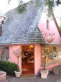 What a charming building. The Pink Tea House, Carmel-by-the-sea, California. - I want to go there!