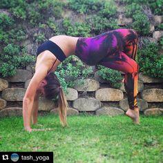 @tash_yoga rocks a Wheel Pose in her Spiritgirl Island Sunset yoga pants.