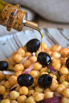Chickpeas salad (Ensalada de garbanzos)