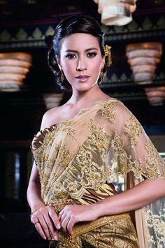 Beautiful wedding dress in Thailand.