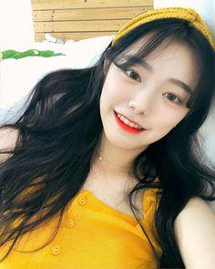 ♡ Kim Sun, Korean Face, Uzzlang Girl, Selfie, Ulzzang, Pretty Girls, Asian Girl, Hair Styles, Beautiful