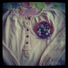 Camiseta flor, talla 8A.