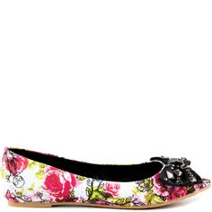 comfy fun shoe for pictures?  bridesmaids....You'll love the edge yet sweet look to the Creepy Rose Peep Toe.  This Iron Fist flat features a floral print accompanied with bold skulls and vine details.  Last but not least is a studded bow for the final touch.