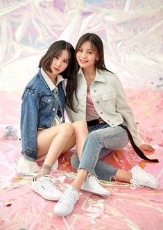 G-Friend poses with Reebok for their 'Dazed and Confused' photoshoot Extended Play, Girlfriend Kpop, Dazed Magazine, Friend Poses, Dazed And Confused, Girl Bands, G Friend, Entertainment, Jung Eun Bi