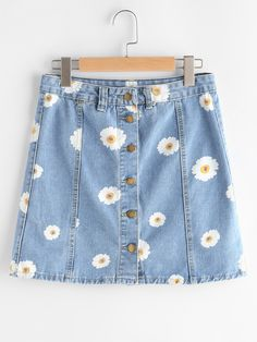 SheIn offers Single Breasted Daisy Print Denim Skirt & more to fit your fashionable needs. Source by cynthiaoighavongbe - Fashion Mode, Cute Fashion, Korean Fashion, Trendy Outfits, Cool Outfits, Summer Outfits, Fashion Outfits, Painted Jeans, Painted Clothes