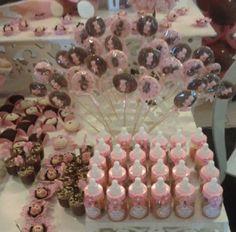 Baby Shower girl - Para as mamães grávidas: linda decoração de Chá de Bebê no tema ursinhos! Nesta foto veja os detalhes! Mais fotos aqui: http://mamaepratica.com.br/2014/07/25/cha-de-bebe-ursinhos/