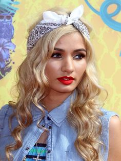 Image from http://celebmafia.com/wp-content/uploads/2014/03/pia-mia-perez-nickelodeon-s-2014-kids-choice-awards-in-los-angeles_4.jpg.