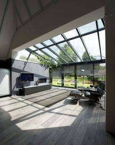Conservatory extension and roof Modern extension with wooden floor. , : Conservatory extension and roof Modern extension with wooden floor. Modern Conservatory, Conservatory Extension, House Extension Design, Glass Extension, Interior Architecture, Interior And Exterior, Glass Room, House Extensions, Glass House