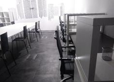 Coworking Leszno – to pierwsze takie miejsce w Lesznie, gdzie wynajmiesz biurko zamiast biura. Bez okresu wypowiedzenia, bez umów na czas określony.