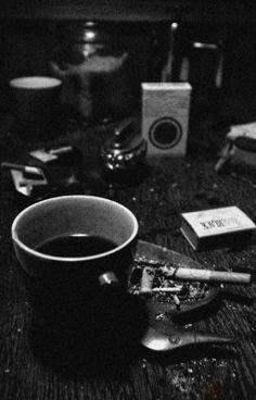 Sin sueño ni amor. - 1 | Abrázame fuerte porque me voy #wattpad #random