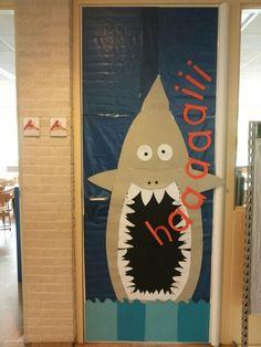 """Onze klasdeur, we starten dit schooljaar met het thema: """"de mooiste vis van de zee""""."""