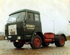 Hannomag-Henschel F 191 4x2 trekker van Intramij in Rotterdam