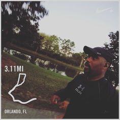 Day by day... #run #instarunners #blackmenrunorlando #floridarunner #blackmenrun #nikerunning #stravarunning #dogrunning #runningpartner